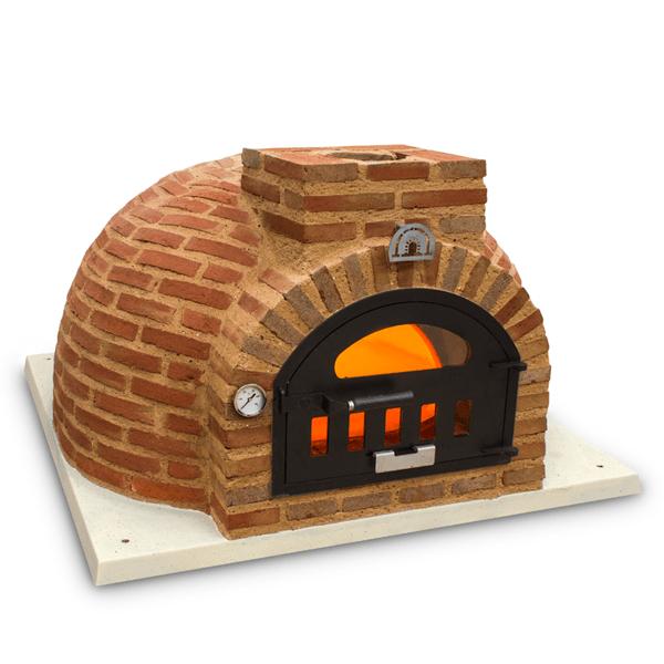 foto completa de horno de leña con acabado exterior en ladrillo rustico