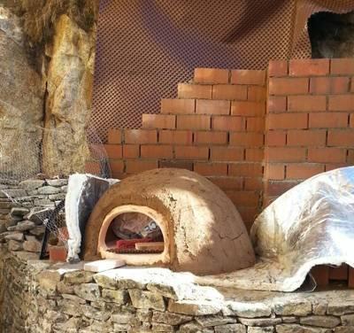 proceso de construcción de un horno de leña