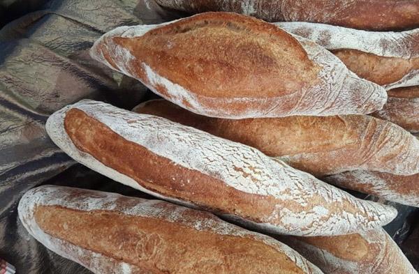 pan hecho con harina tradicional zamorana en horno de leña